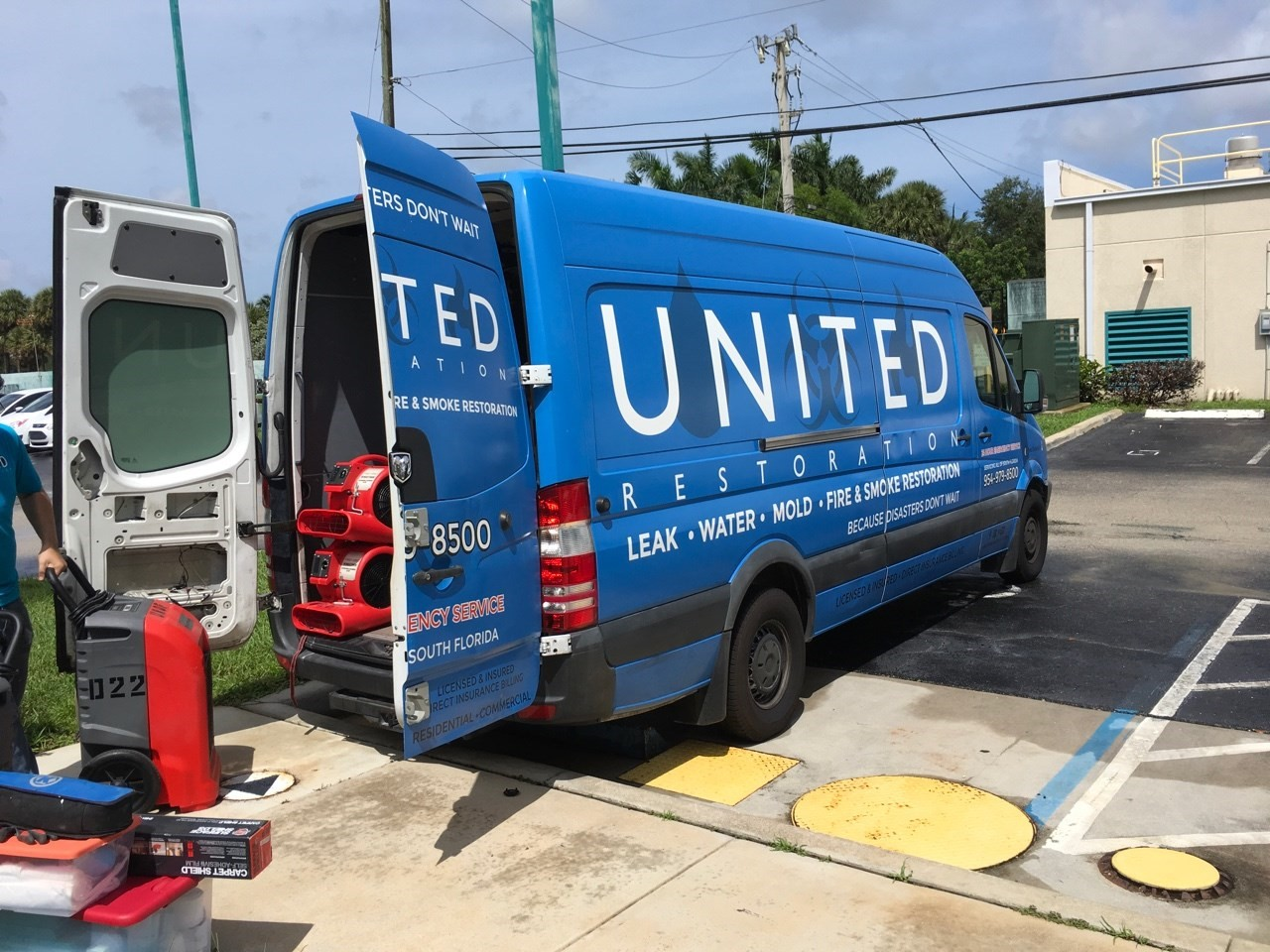 united restoration water damage restoration emegency response truck