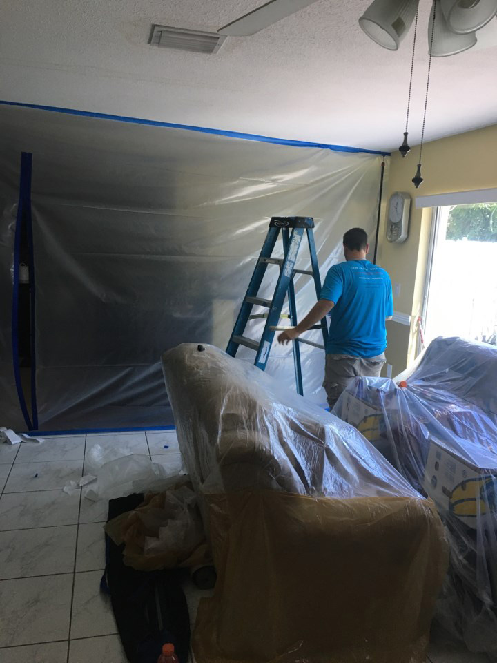 water damage containment in a pembroke pines home