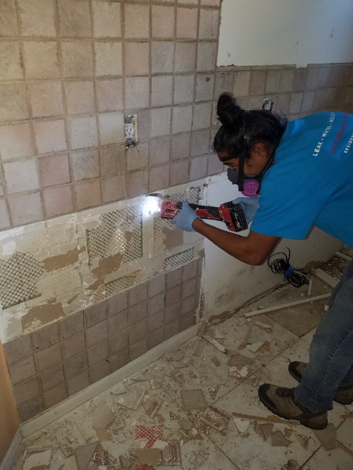 water damage restoration in coconut creek florida